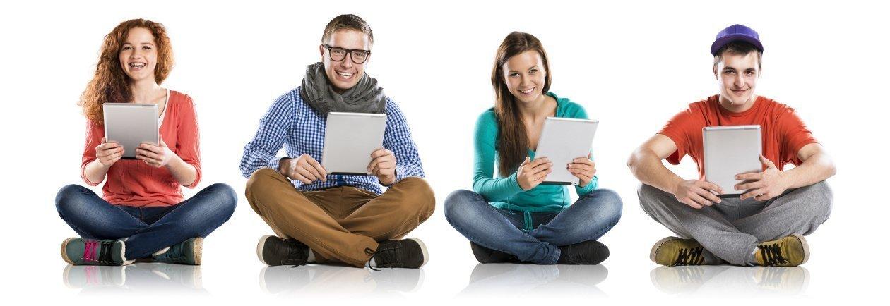 un gruppo di ragazzi pronto a un percorso di formazione digital